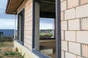 Rohbau vor dem Fenstereinbau