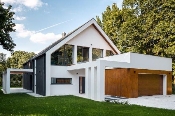 Modernes Haus mit Aluminium Fenster und seinen Vorteilen.