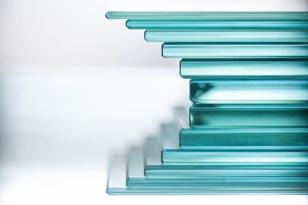 Durch verschiedene Glasaufbauten lassen sich hohe Werte in Sicherheit, Wärmeschutz und Schalldämmung erreichen.