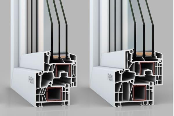 Zwei Kunststoffprofile aus denen zum Beispiel Balkontüren aus Kunststoff erstellt werden können.