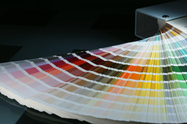 Farbfächer mit vielen RAL Farben