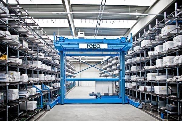 FeBa hat ein vollautomatisches Hochregallager in der Fertigung am Standort in Burbach, Deutschland.