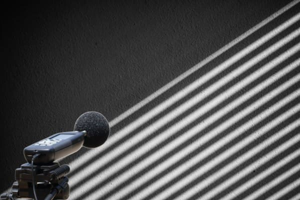 Schallschutz wird bei geschlossenem Rollladen gemessen