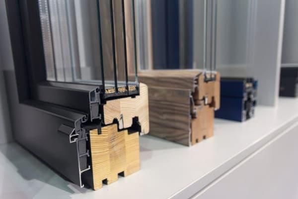 Worauf sollte man beim Fensteraustausch achten, unter anderem Rahmenmaterial