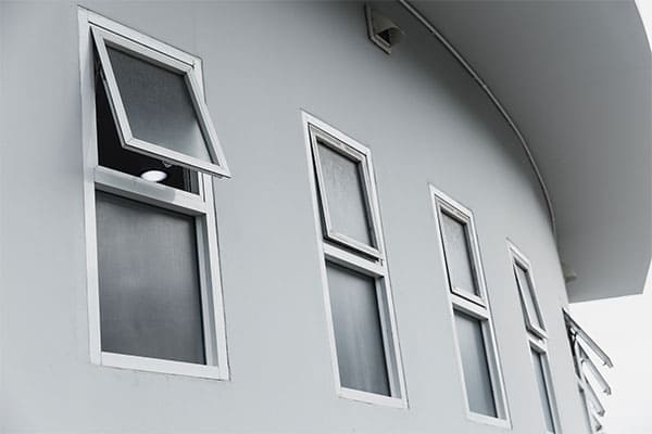 Klapp-Schwingfenster aus Alu-Kunststoff