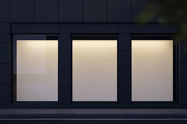 Dreiflügeliges Fenster mit festem Flügel