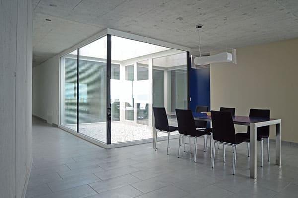 Büroraum mit Eckfenster