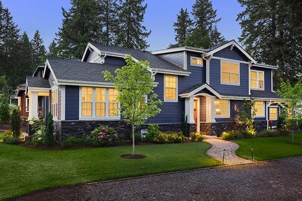 Viele Gestaltungsmöglichkeiten für einflügelige Fenster