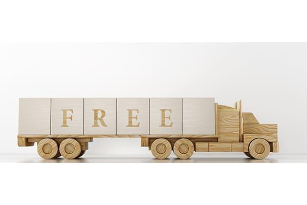 Kleiner Holz LKW mit Schriftzug free.