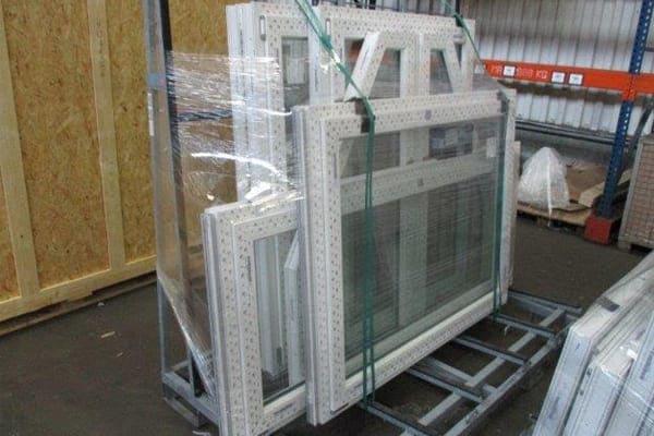 FeBa Fenster verpackt auf Festergestell.