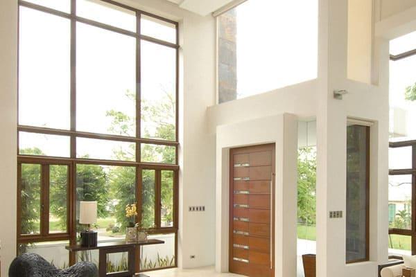 Fenster mit Oberlicht bei hohen Decken
