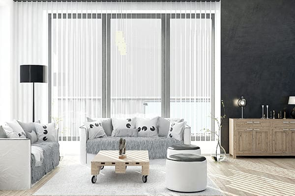 Dreiflügelige Fenster aus Kunststoff-Alu
