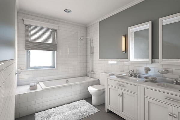 Badezimmer mit Fenster und Jalousie