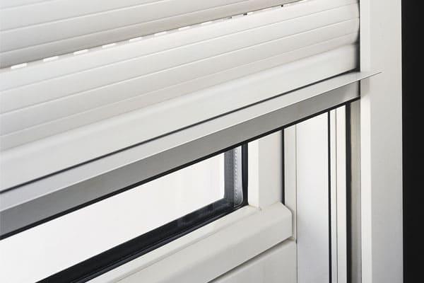 Rollladen und Co. für bodentiefe Fenster