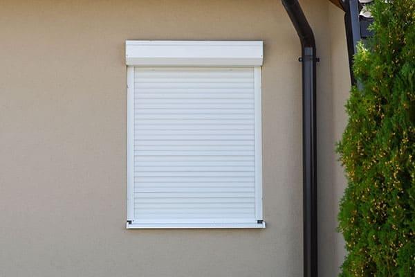 Garagenfenster mit Rollladen
