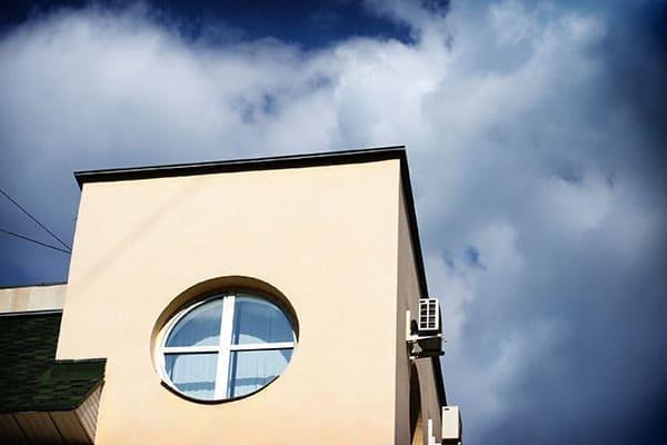 Rundfenster im Flur