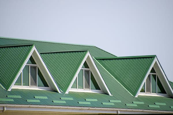 drei Dachfenster in Trapzform